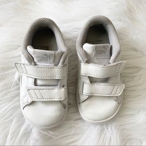 PUMA White Little Girls Velcro Sneakers 7C Shoes